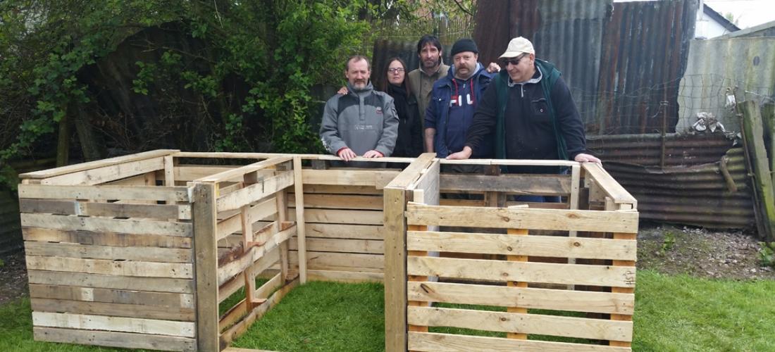 Accompagnement participatif à l'embellissement d'un lieu de vie par un groupe de locataires de l'Immobilière Sociale entre Sambre et Haine (ISSH)