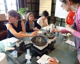 L'EcoTeam d'Espace Environnement organise un atelier «fabrication de cosmétiques» pour le personnel